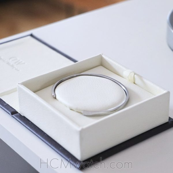 Review Vong tay Daniel Wellington Classic Cuff H.7