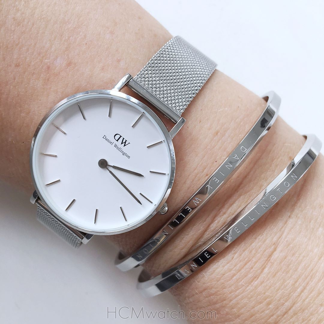 Đồng Hồ DW Classic Petite Sterling 32mm DW00100164 - Silver